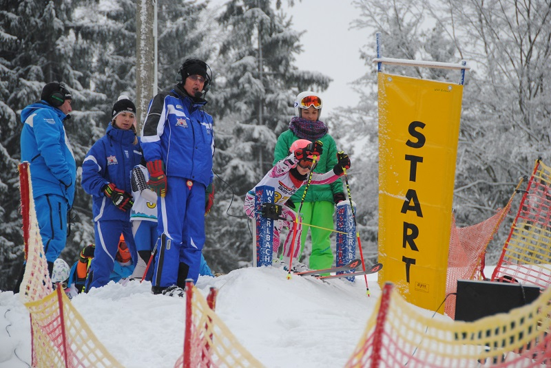 Winterwetter-Wettkampf-Wochenende der Alpinen im Vogtland